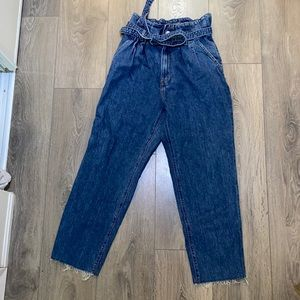 Abercrombie and Fitch Mom Jeans Size 4 / 27
